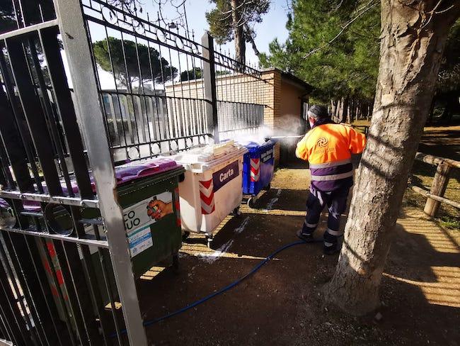 lavaggio sanificazione cassonetti Pescara