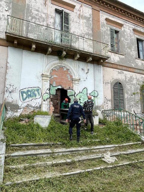 agenti operai villa delfico