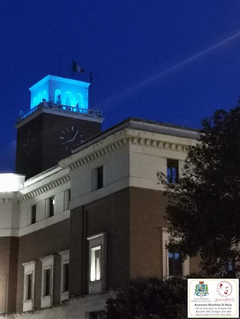 foto torre civica blu Pescara