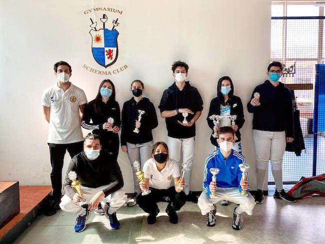 fabio pascale in piedi a sx, con i partecipanti alla copppa italia regionale del 25 aprile