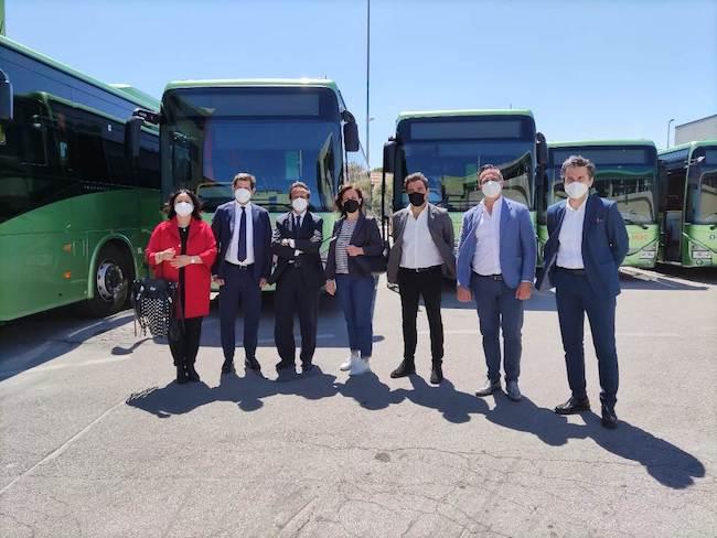 presentazione nuovi bus