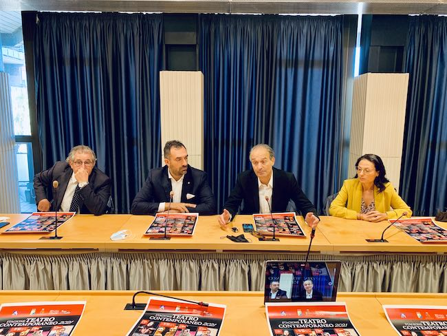 conferenza teatro contemporaneo 2021